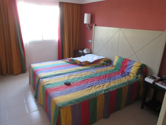 Blau Punta Reina Resort: Chambre parentale