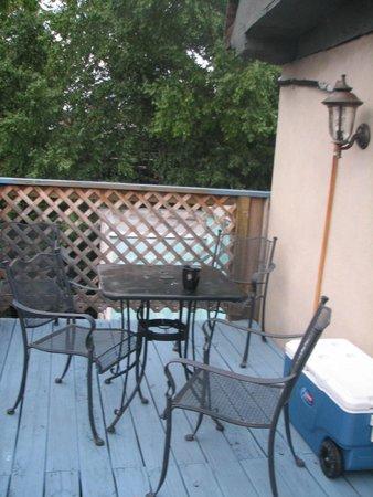 Philadelphia Bella Vista Bed and Breakfast : Private deck