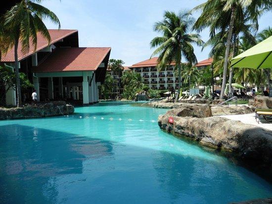 Sutera Harbour Resort (The Pacific Sutera & The Magellan Sutera) : pool