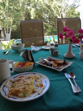 Villa Alegre - Bed and Breakfast on the Beach : One of Barry's Gourmet Breakfasts - Scrumptious
