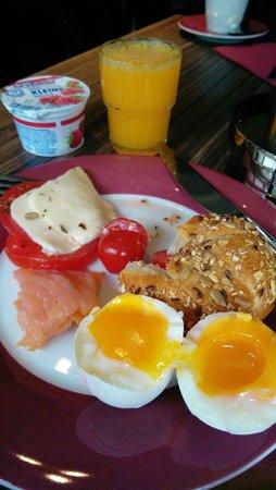 Hotel Munich City: Breakfast feast