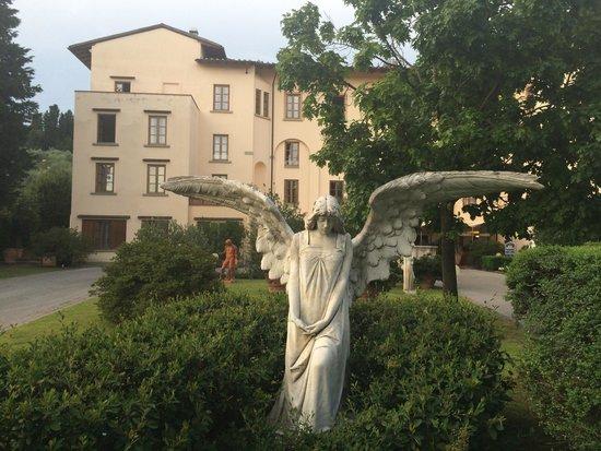 Hotel Villa Gabriele D'Annunzio : Das Hotel außen