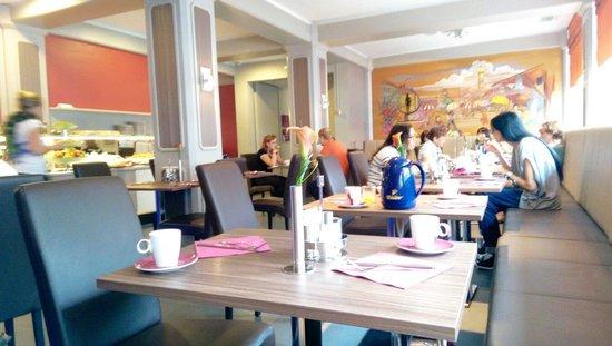 Hotel Munich City: Breakfast dining room