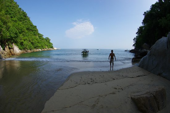 Banderas Scuba Republic : Between dives we got to walk about on a beautiful, hidden beach called Colomitos.
