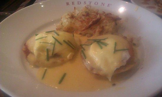 Redstone American Grill: Eggs Benedict