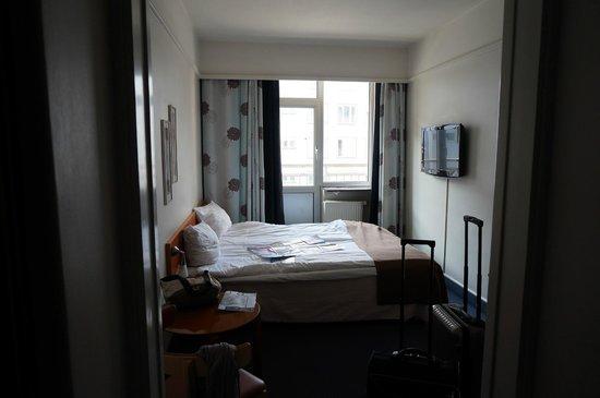 ProfilHotels Richmond Hotel: Doppelzimmer mit ca 1,50m-breitem Bett