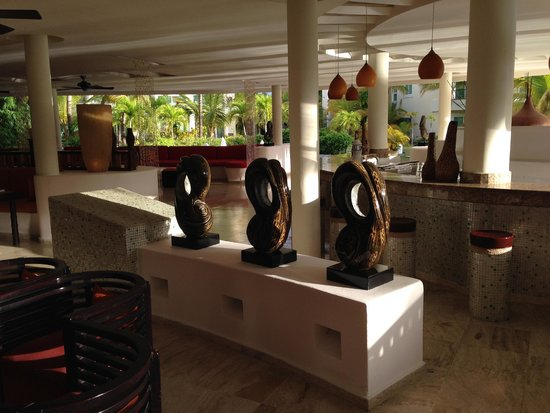 The Reserve at Paradisus Palma Real: Restaurant Bar