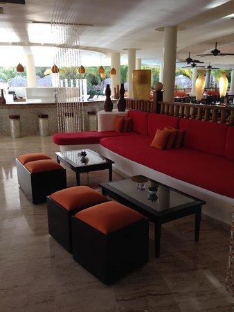 The Reserve at Paradisus Palma Real: Lounge and Bar