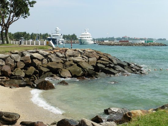 Sutera Harbour Resort (The Pacific Sutera & The Magellan Sutera) : beach