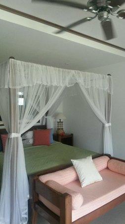 Le Domaine de La Reserve: Bedroom
