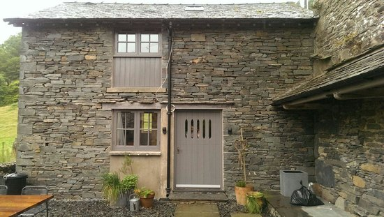 front picture to cottage barns sunny barn lake locationphotodirectlink england ambleside door our brow of district cumbria