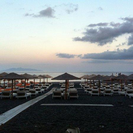 Nissia Apartments: Spiaggia di Kamari