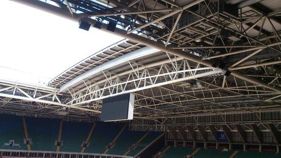 Principality Stadium: Toit ouvrant