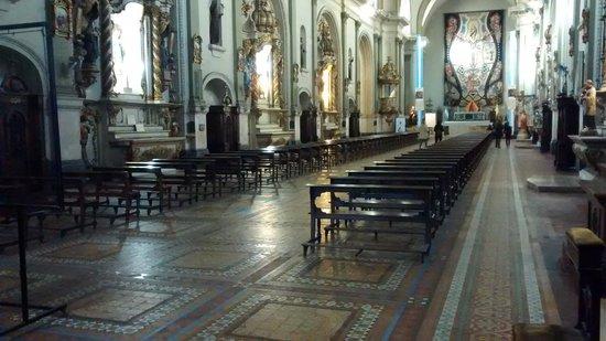 Basilica y Convento de San Francisco : Antiga e imponente.