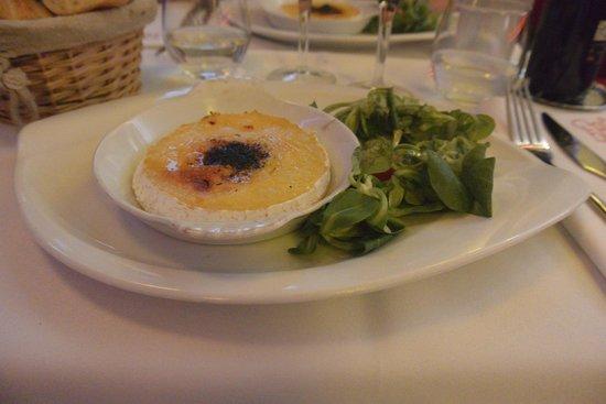 Cafe Barjot: Demi camembert rôti au calvados