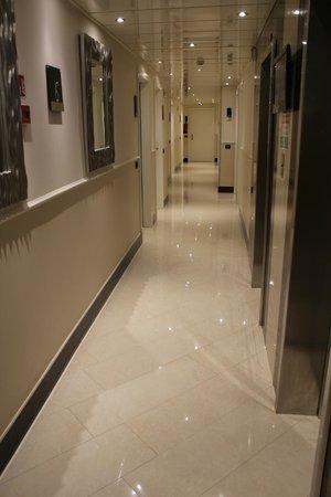 Windsor Hotel Milano: Corridor