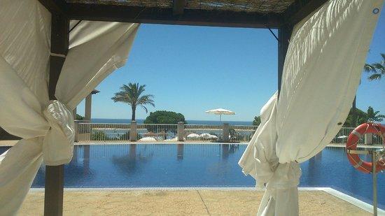 Garden Playanatural Hotel & Spa: vistas de la piscina de arriba