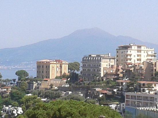 Grand Hotel Moon Valley: View of vesuvius