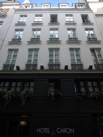 Hotel Caron : Hotel's facade