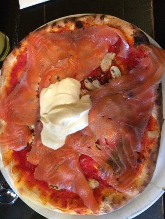 Firmine : Salmon Pizza