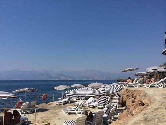 The Marmara Antalya: Vista spiaggia hotel
