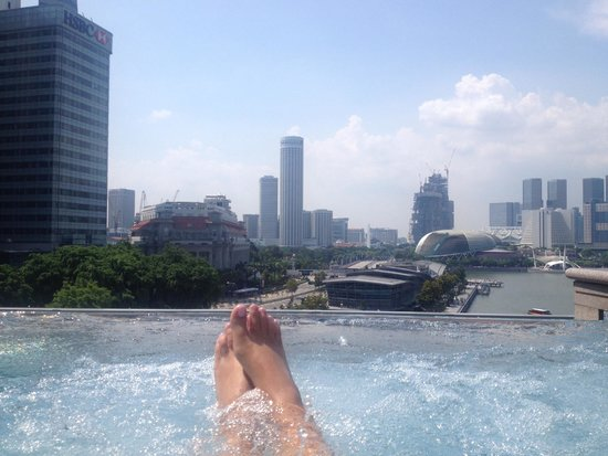 The Fullerton Bay Hotel Singapore: Whirlpool / Rooftop
