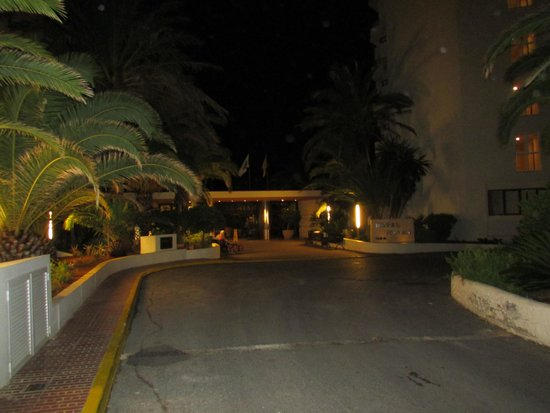 Alua Miami Ibiza: Hotel entrance