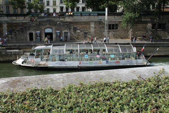 The Boat (Batobus)