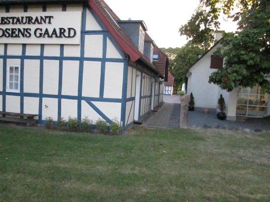 Best Western Hotel Knudsens Gaard: Outside of some rooms