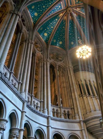 Manchester Town Hall: Main staircase