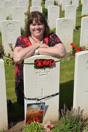 Cobbers Battlefield Tours : At  my great-uncle's grave