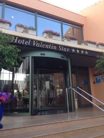 Valentín Star Hotel: Entrance
