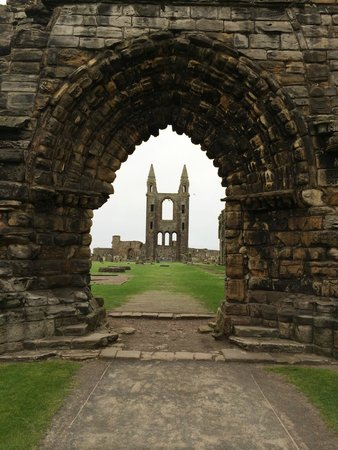 St Andrews Cathedral : Nice view and perspective