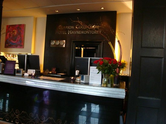 Clarion Collection Hotel Havnekontoret: Check in Counter
