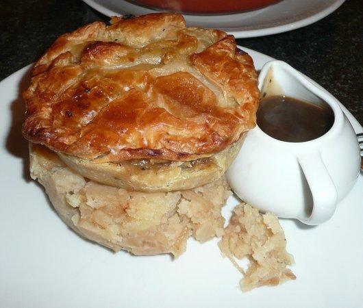 The Ham Bone Brasserie & Deli: special pie