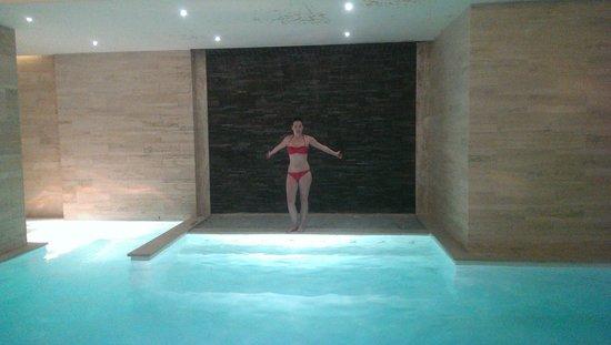 The George Hotel : spa pool