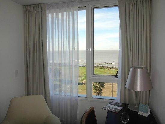 Mercure Montevideo Punta Carretas: Vista do quarto
