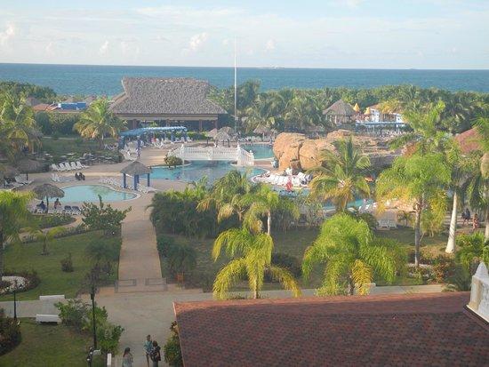 IBEROSTAR Laguna Azul: main pool