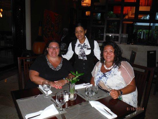 Melia Caribe Tropical: Market Place