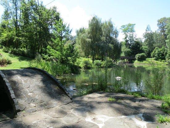 Buttermilk Falls Inn & Spa: Peaceful setting