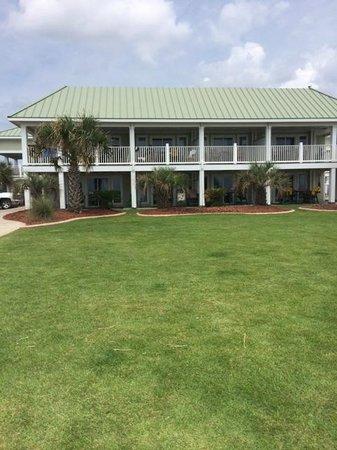 Islander Inn & Suites : view from beach