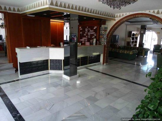Nerja Club: Lobby