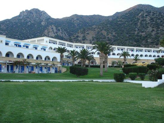 Mitsis Norida Beach Hotel: the main building