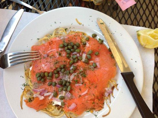 Red House Cafe : breakfast salmon with potato pancake