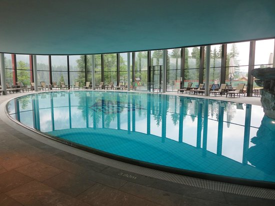 Badrutt's Palace Hotel: indoor pool