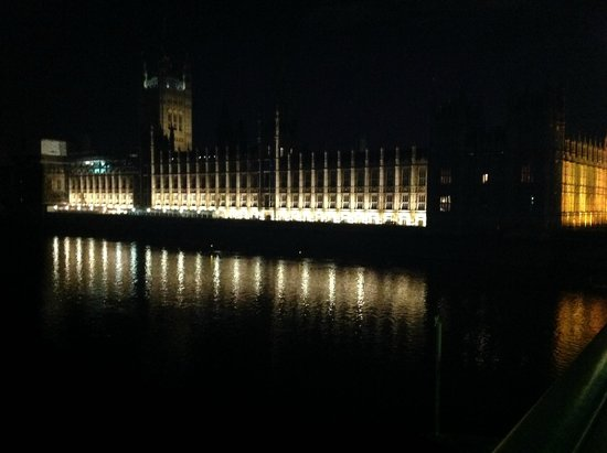 Houses of Parliament: Nigtht