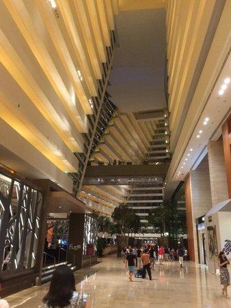 Marina Bay Sands: The hotel's lobby