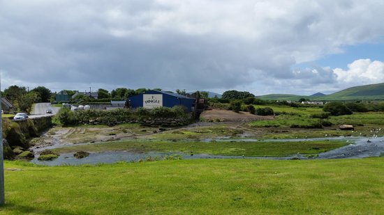 Dingle Whiskey Distillery: A view of the distillery as you approach it from town