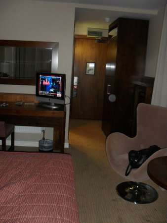 Maldron Hotel Tallaght: Room