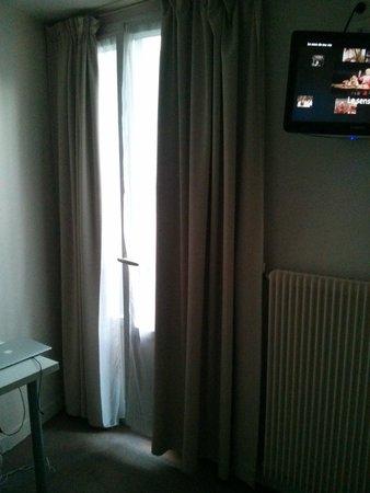Hotel Nemours: Nice French Windows
